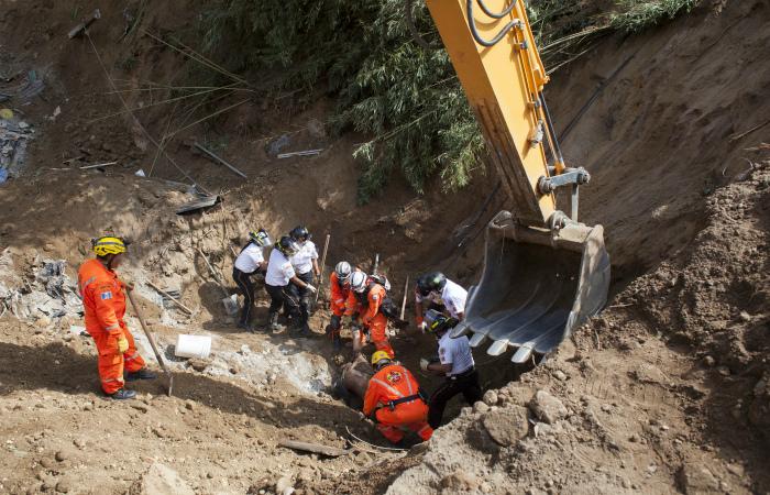 Число жертв оползня в Гватемале превысило 150 человек