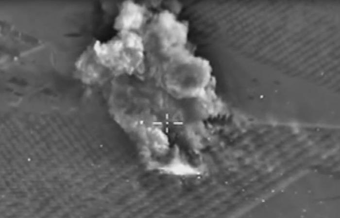 Опубликованы три новых видеозаписи российских авиаударов по ИГИЛ