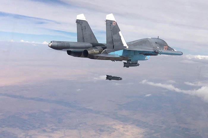Российская авиация уничтожила лагерь подготовки боевиков ИГ в Сирии