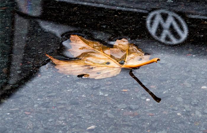 "Standard & Poor's снизило рейтинги Volkswagen на фоне ""дизельного скандала"""