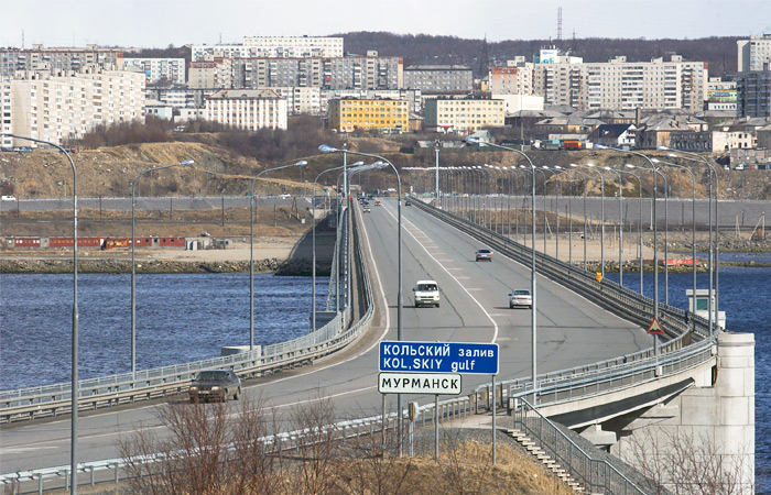 Замену охранника манекеном на мосту через Кольский залив расценили как мошенничество