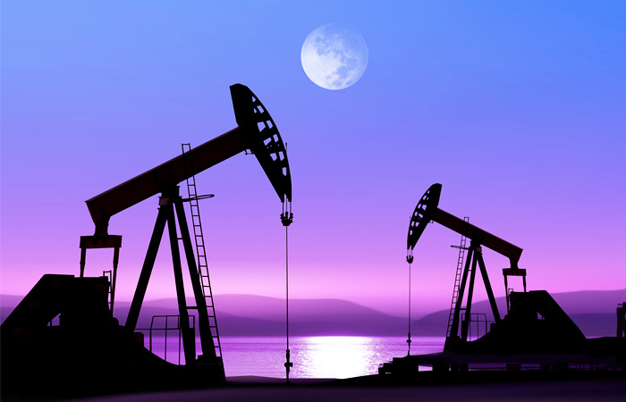 Нефть подорожала после резкого падения цен накануне.