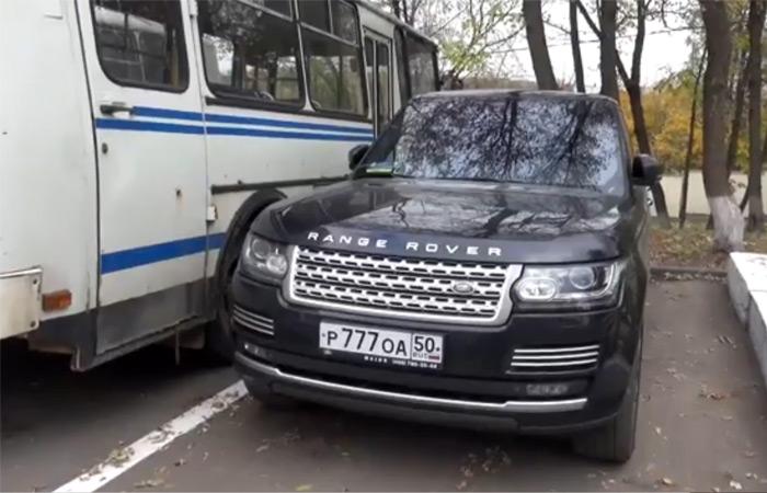 В автомобиле Георгадзе нашли глушитель и патроны к автомату