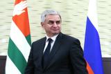 Глава Абхазии обвинил предшественников в разбазаривании помощи из России