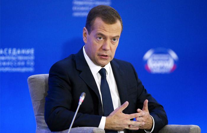 Медведев признал наличие сбоев в поставках лекарств ВИЧ-инфицированным