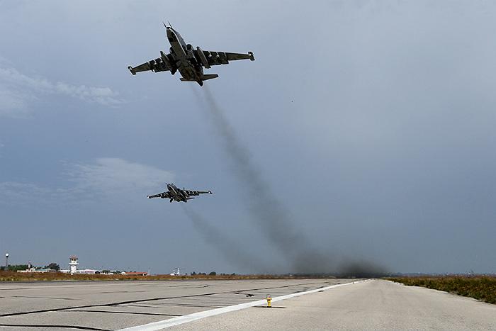 Самолеты РФ с начала операции в Сирии совершили почти тысячу боевых вылетов