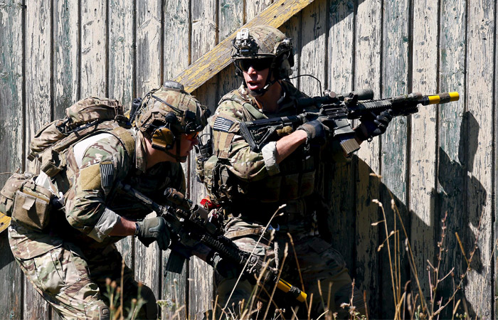 """Пентагон анонсировал """"прямые наземные действия"""" в Ираке и Сирии"""