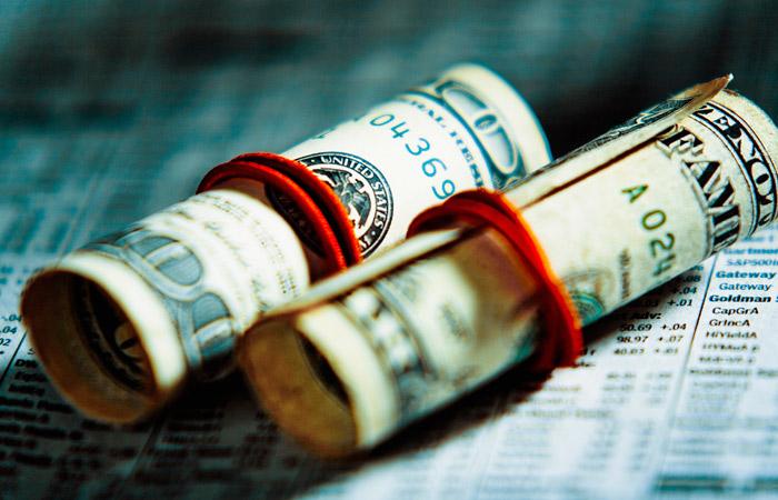 Курс доллара превысил 65 рублей