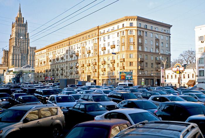 Ситуация с пробками в Москве за год не стала лучше
