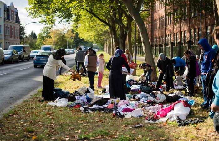 Беженцы в Берлине пожаловались на бюрократию и однообразную еду