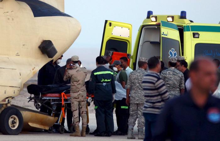 Третий самолет МЧС РФ доставил в Египет 40 спасателей и технику