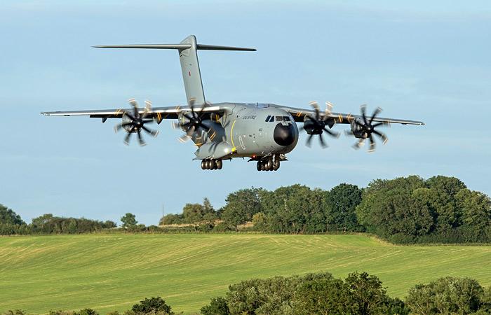 Военный транспортный самолет Atlas получил разрешение садиться на траву