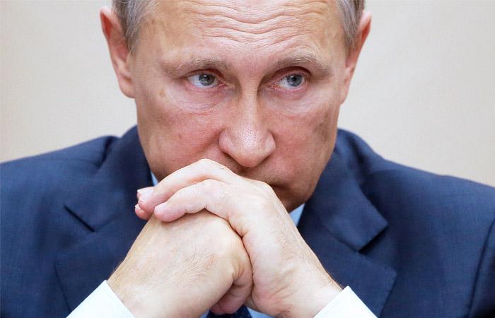 Путин поддержал предложение приостановить авиасообщение с Египтом