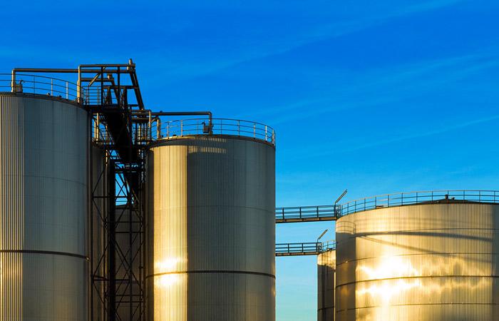 МЭА предрекло рост цен на нефть до $80 за баррель лишь к 2020 году