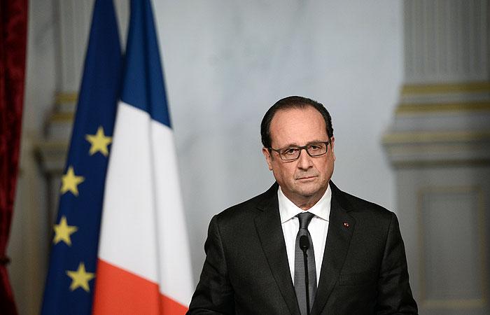 """Олланд обвинил """"Исламское государство"""" в организации терактов в Париже"""