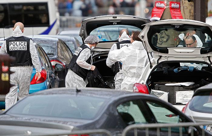 Парижские власти сообщили о гибели не менее 128 человек в терактах