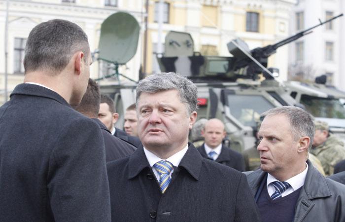 Порошенко потребовал отчет о ходе расследований преступлений на Майдане