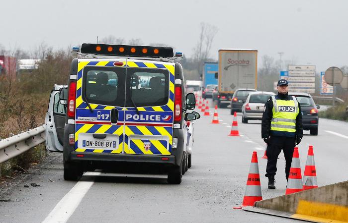 """Власти Бельгии повысили уровень террористической опасности до """"серьезного"""""""