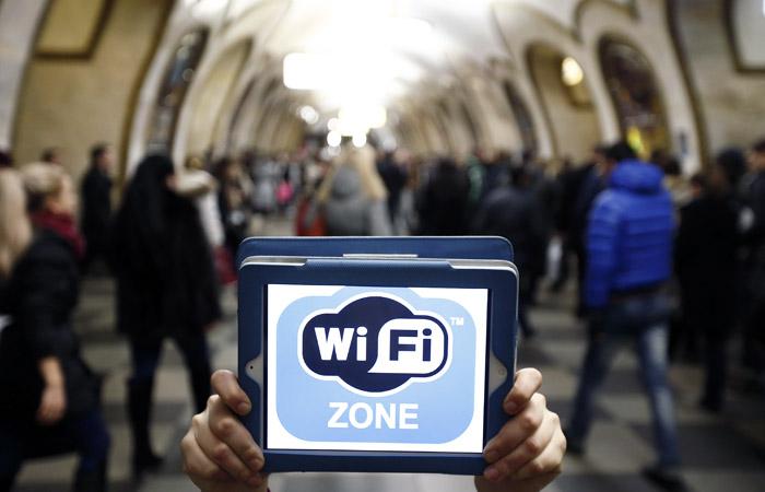 На эскалаторах и перронах станций московского метро появится Wi-Fi