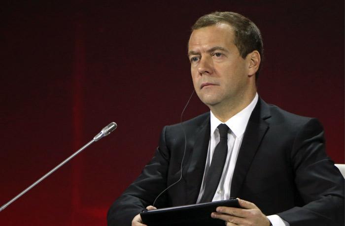 Медведев запретил закупки иностранного ПО для нужд бюджетников