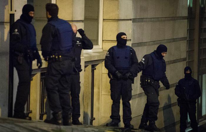 Полиция Бельгии не смогла задержать главного подозреваемого по делу о терактах в Париже
