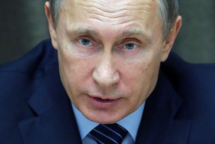 Путин пообещал и дальше использовать небо над Каспием для борьбы с ИГ