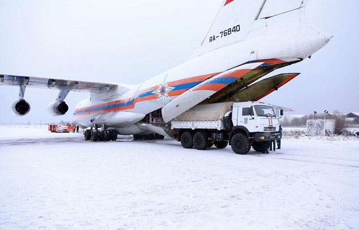 МЧС доставило в Крым 300 мобильных электрогенераторов