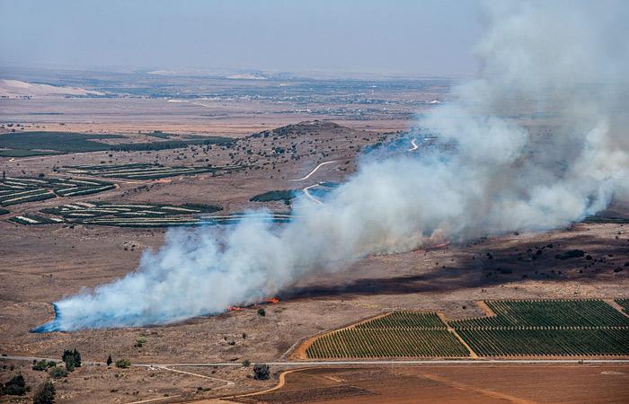СМИ сообщили о крушении военного самолета в Сирии