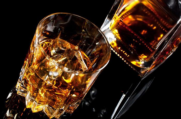 Организатор оптовых поставок суррогатного алкоголя задержан в Красноярске