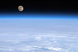 Установлена связь между наклоном Луны и земным золотом