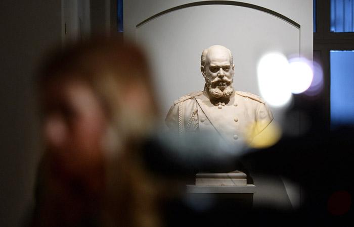 В Петербурге началось вскрытие саркофага Александра III