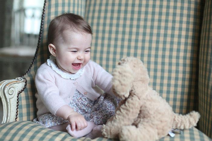Принц Уильям и герцогиня Кембриджская опубликовали фото принцессы Шарлотты