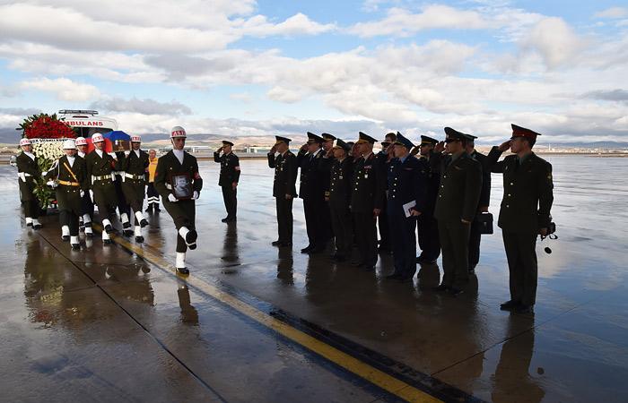 Тело командира экипажа Су-24 доставлено в Россию