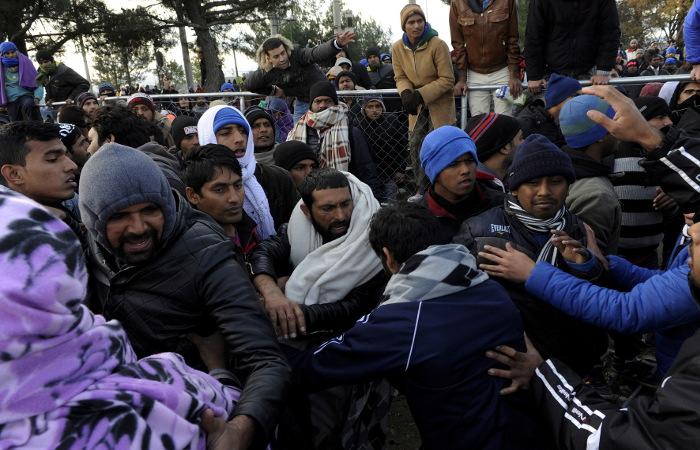 Миграционный кризис заставил Грецию обратиться за чрезвычайной помощью к ЕС