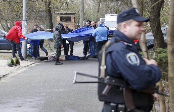 В Киеве суд продлил арест подозреваемому в убийстве Олеся Бузины