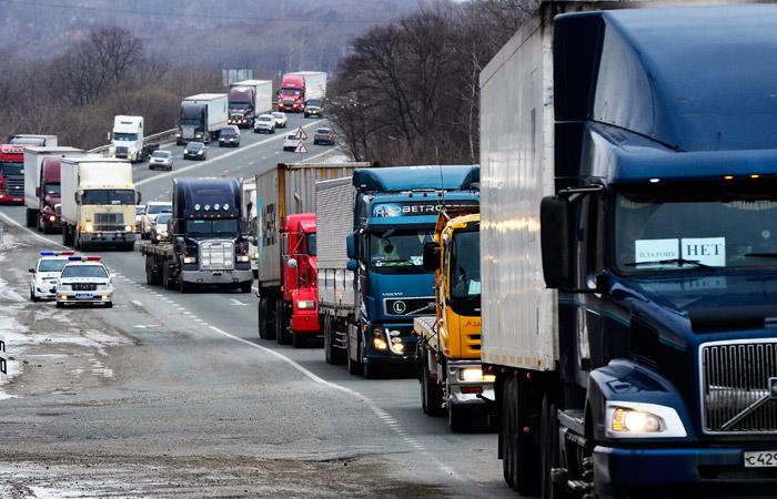Госдума в 100 раз снизила штрафы за отсутствие трекеров у дальнобойщиков