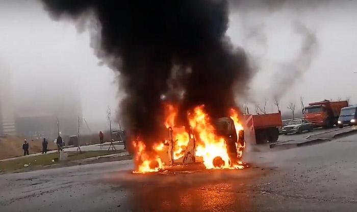В Петербурге расстреляли полицейский автомобиль