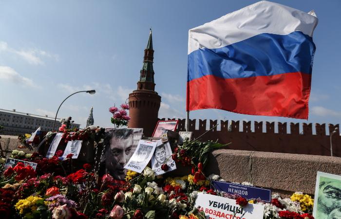 Суд проверит законность отказа признать убийство Немцова политическим