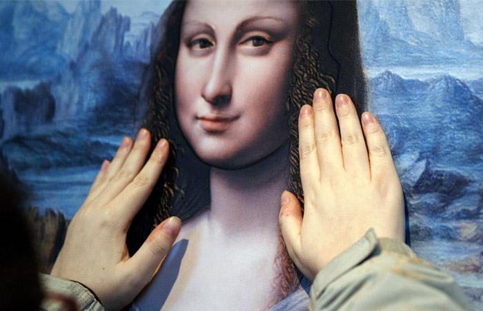 """Под """"Моной Лизой"""" нашли скрытый портрет"""