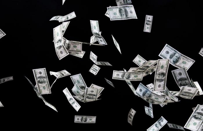 Нелегальный вывод капитала из России в 2004-2013 годах превысил $1 трлн