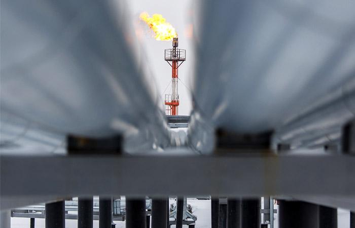 Нефтяники призвали мир готовиться к более низким ценам в 2016 году