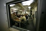 """Новейший американский боевой корабль """"Милуоки"""" сломался по пути в порт"""