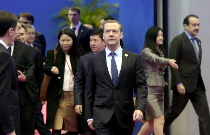 Медведев рассказал о роли мирового сообщества в управлении интернетом