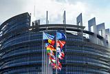 В Европарламенте назвали возможные сроки снятия санкций с России