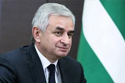 Президент Абхазии: в отношениях с Россией нет черных полос