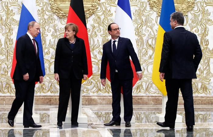 """""""Нормандская четверка"""" условилась продлить минские соглашения на 2016 год"""