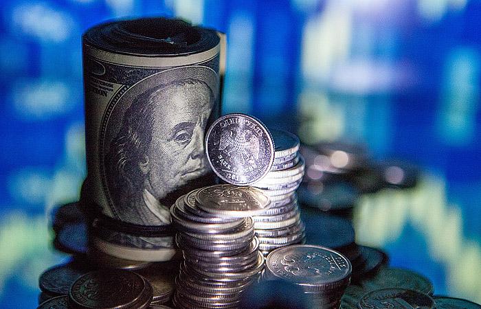 Доллар впервый раз сдекабря 2014г превысил 74 рубля