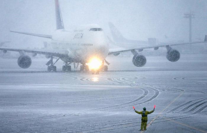 Росавиация опровергла отмену рейсов в аэропортах Москвы из-за непогоды