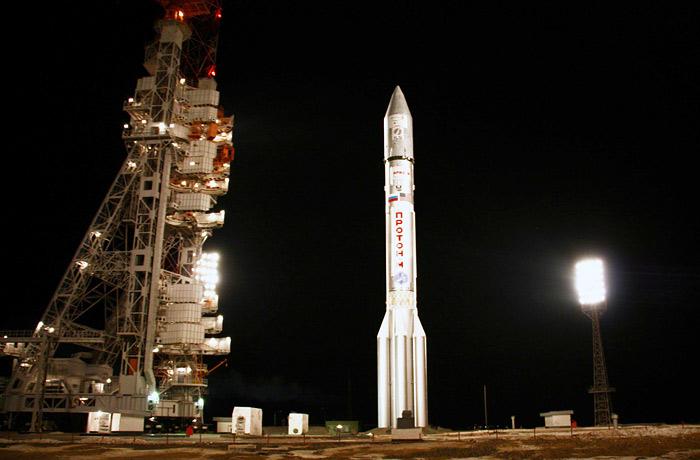 """На Байконуре из-за сбоя перенесли запуск """"Протона"""" с европейским спутником"""