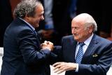 Блаттер и Платини продолжат получать зарплату в ФИФА и УЕФА